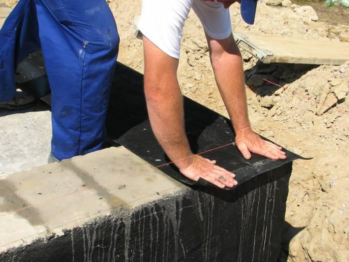 Укладка гидроизоляционных материалов