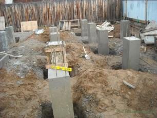 Возводим столбчатый фундамент под сарай