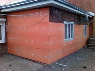 Утепление дома снаружи с помощью пеноплекса