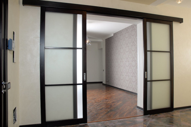Пример раздвижных дверей