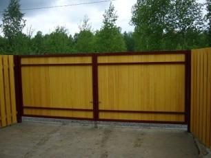 Деревянные ворота готовы