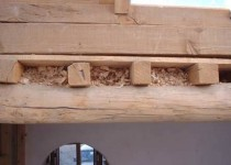 Утепление опилками потолка