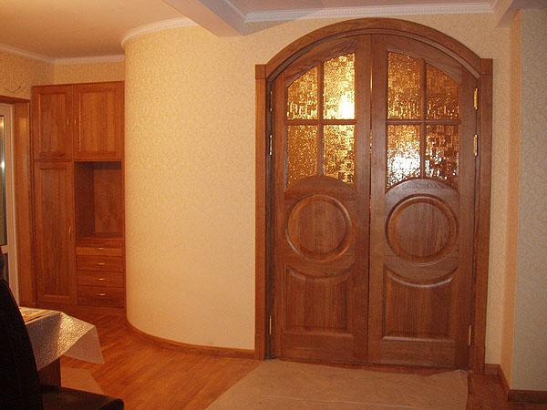Межкомнатные двери распашные
