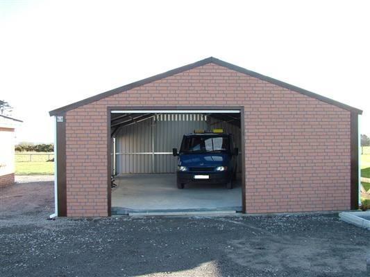 Утепленный кирпичный гараж