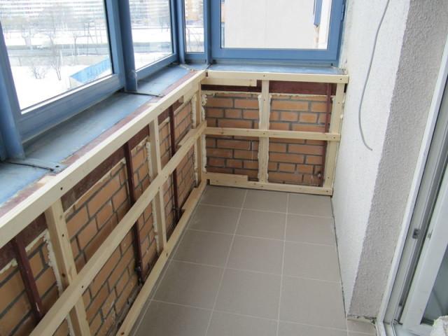Каркас для утепления балкона под паробарьер