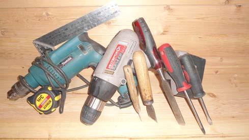 Инструменты, котрые понадобятся во время установки дверей