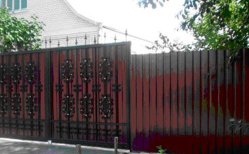 Металлический забор из профнастила