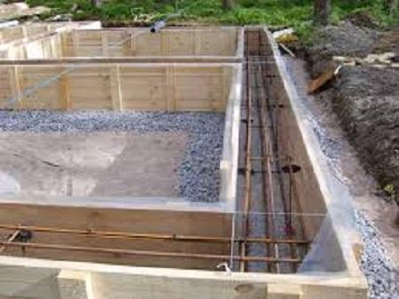 Заливаем раствором бетона